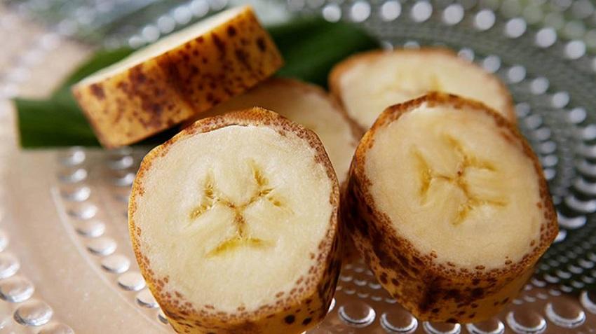España: Avances Tecnológicos Reinventan la Frutas para Crear Plátanos de Piel Comestible o Hacer Envases con Tomates